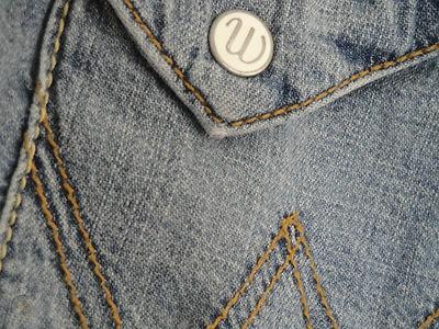 enamel snap button example