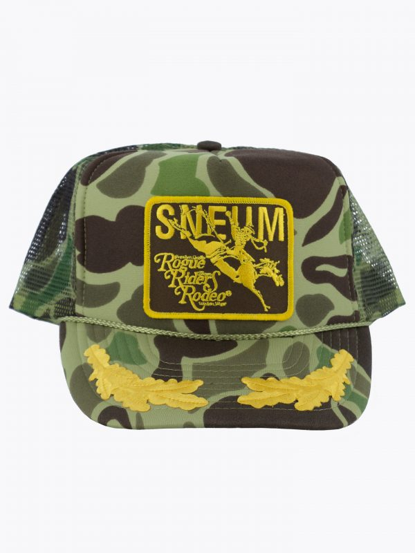 Trucker hat with gold leaves
